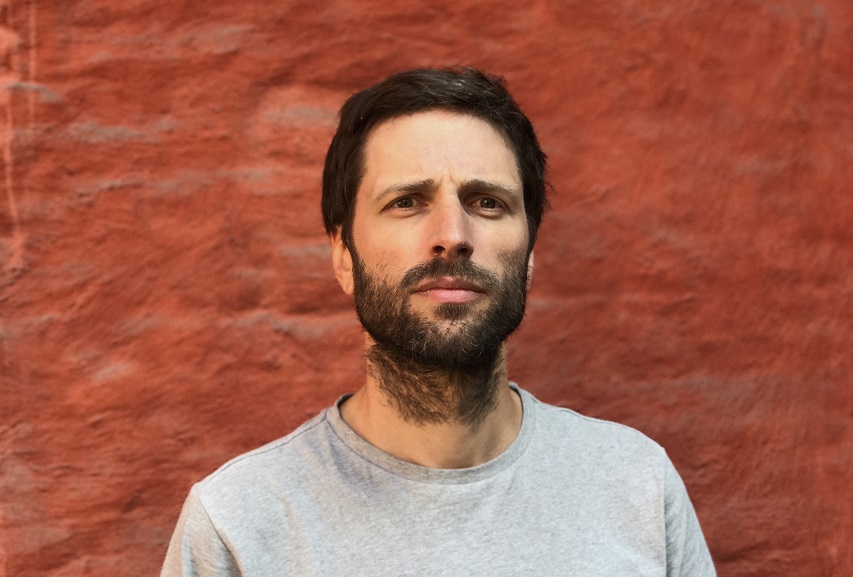 "Lindstrøm: ""Didn't Know Better (feat. Ronika)"""