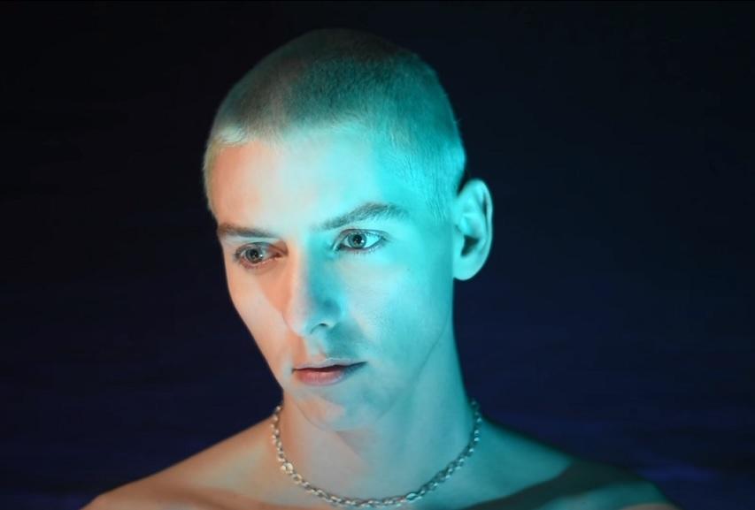 "Turbotito: ""DIAMONDLOVE NO.1"" (feat. Baby Alpaca) Video"