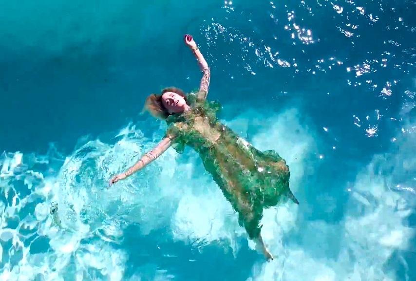 """Róisín Murphy: """"Something More"""" Video"""